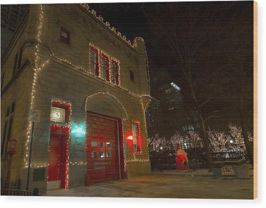 Firehouse In Xmas Lights Wood Print