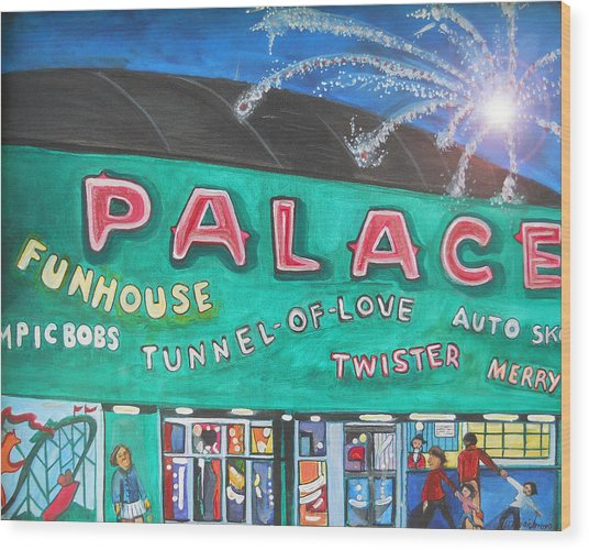 Fireworks At The Palace Wood Print
