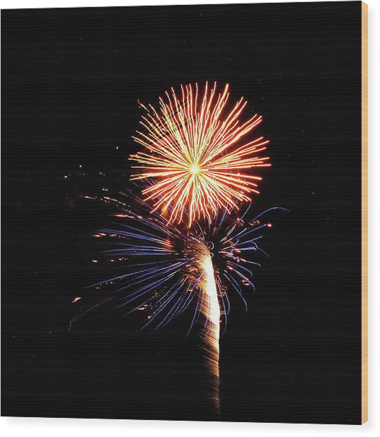 Fireworks From A Boat - 25 Wood Print