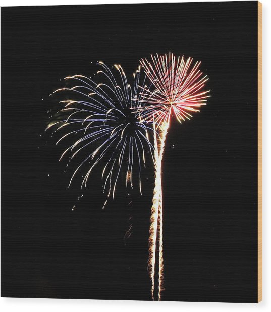 Fireworks From A Boat - 7 Wood Print