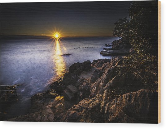 First Rays Over The Adriatic Wood Print