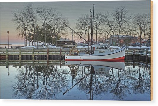Fishing Boat At Newburyport Wood Print