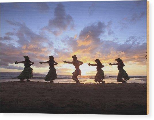 Five Hula Dancers At Sunset At The Beach At Palauea Wood Print