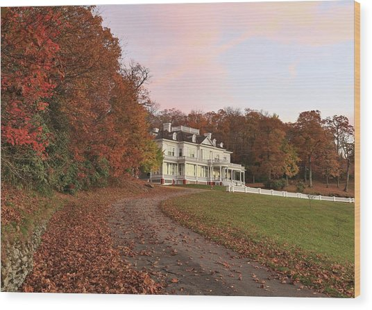 Flat Top Manor At Sunrise Wood Print
