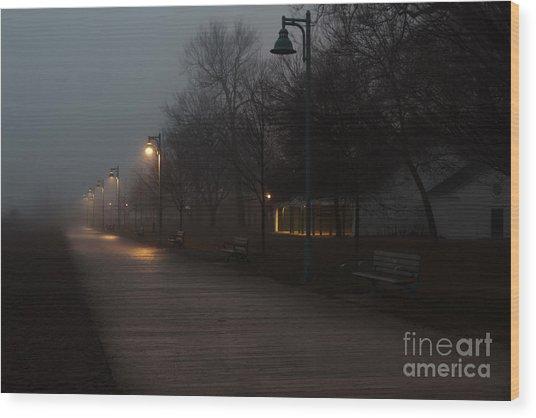 Foggy Morning Kew Beach Wood Print