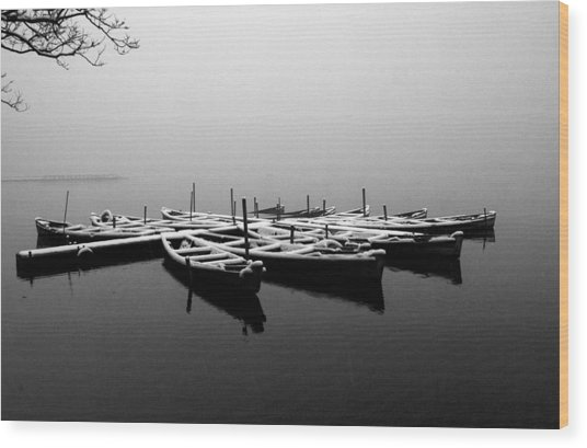 Foggy Morning On West Lake Wood Print