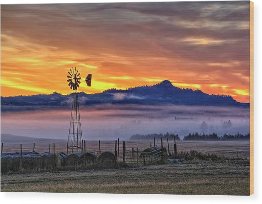Foggy Spearfish Sunrise Wood Print