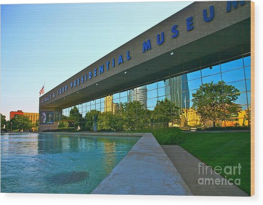 Ford Presidential Museum Wood Print by Robert Pearson