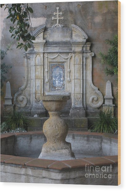 Fountain At Mission Carmel Wood Print