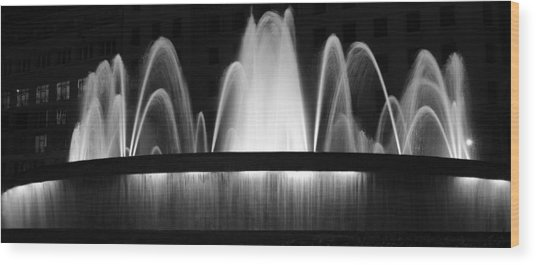Fountain In Barcelona Wood Print