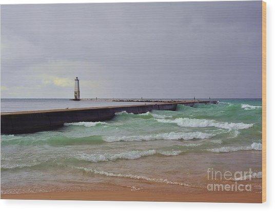 Frankfurt Lighthouse Breakwater Wood Print