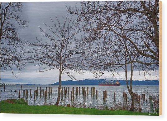 Freighter On The Columbia Wood Print