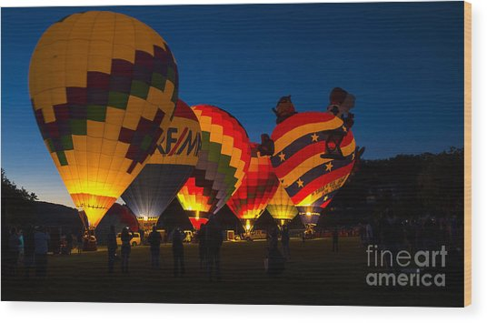 Friday Night At The Quechee Balloon Festival Wood Print