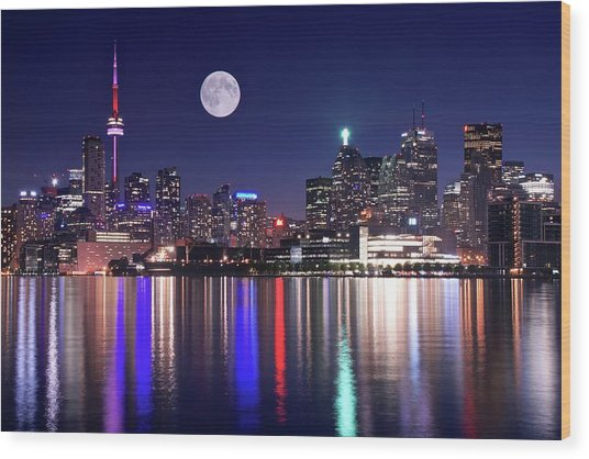 Full Moon In Toronto Wood Print