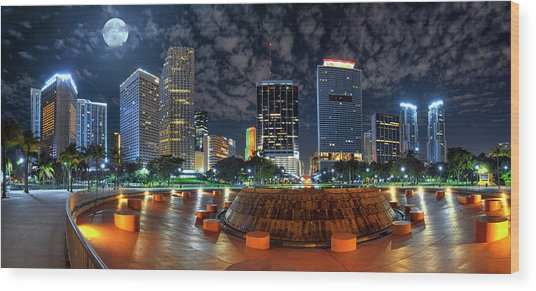 Full Moon Over Bayfront Park In Downtown Miami Wood Print