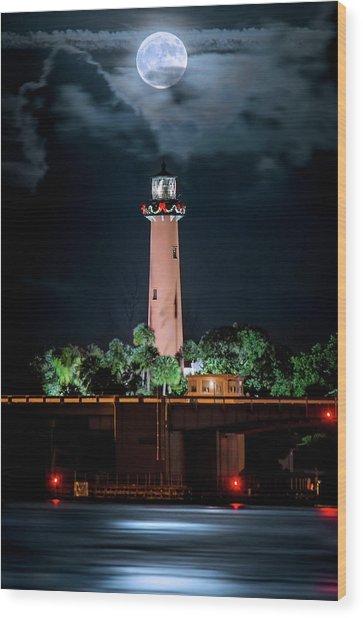 Full Moon Over Jupiter Lighthouse On Christmas Night 2015 Wood Print