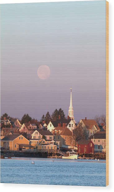 Full Moon Over Portsmouth Nh Wood Print