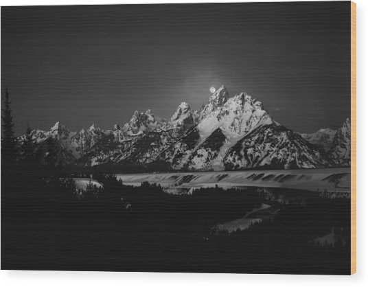 Full Moon Sets In The Tetons Wood Print