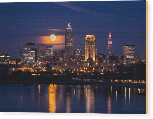 Full Moonrise Over Cleveland Wood Print