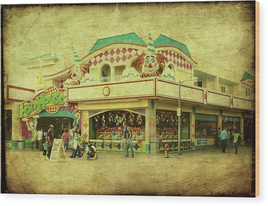 Fun House - Jersey Shore Wood Print