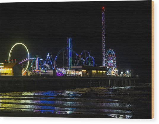 Galveston Island Historic Pleasure Pier At Night Wood Print