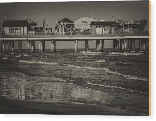 Galveston Pleasure Pier - Black And White Wood Print