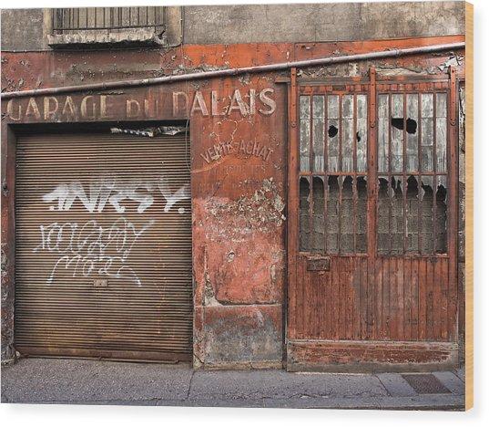 Garage Du Palais Wood Print