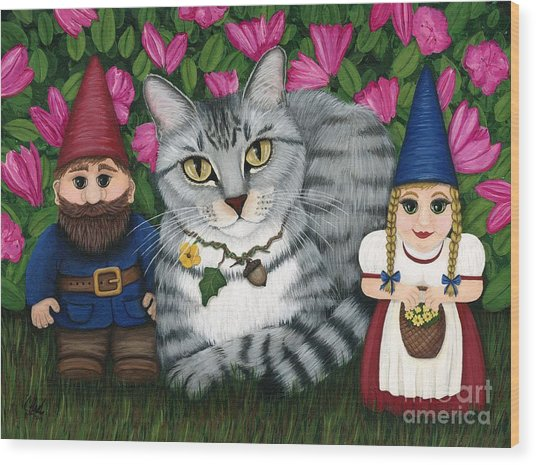 Garden Friends - Tabby Cat And Gnomes Wood Print