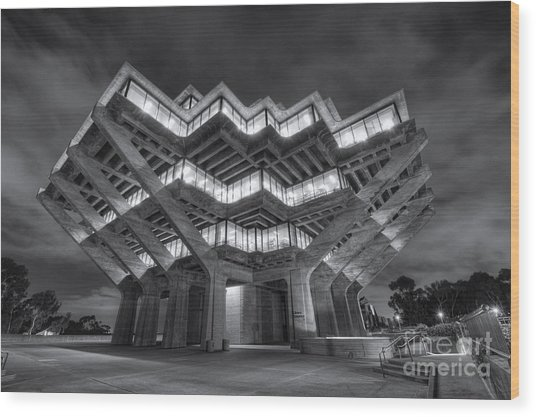 Geisel Library In Black And White Wood Print