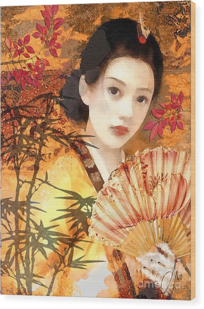 Geisha With Fan Wood Print