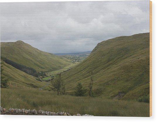 Glengesh Pass Wood Print