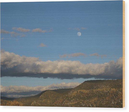 Glorietta Moon Wood Print by Thor Sigstedt
