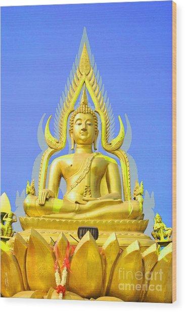 gold buddha statue sculpture by somchai suppalertporn