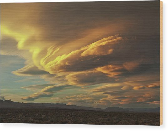 Golden Sierra Wave Wood Print by Nolan Nitschke