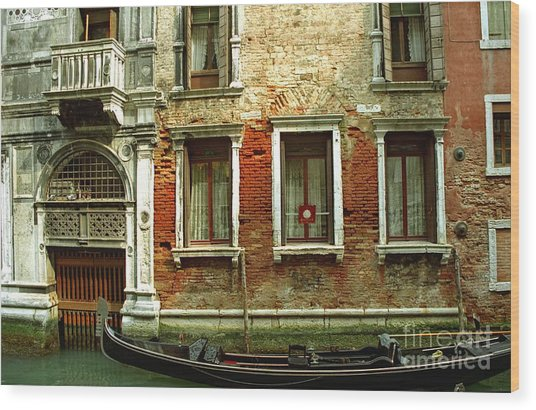 Gondola In Front Of House In Venice Wood Print by Michael Henderson