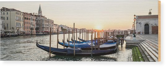 Gondolas Sunrise 00323 Wood Print