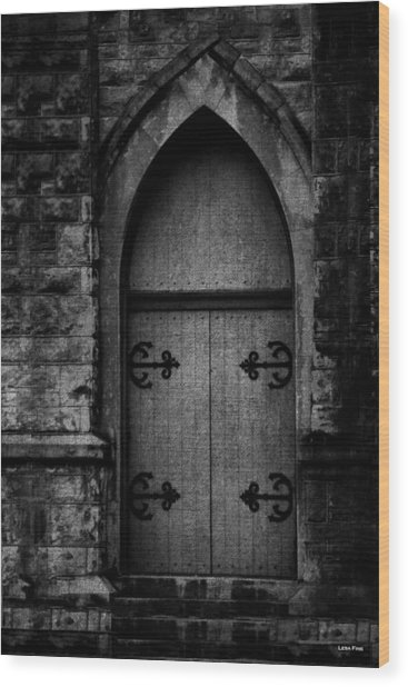 Gothic Door Memphis Church Bw Wood Print