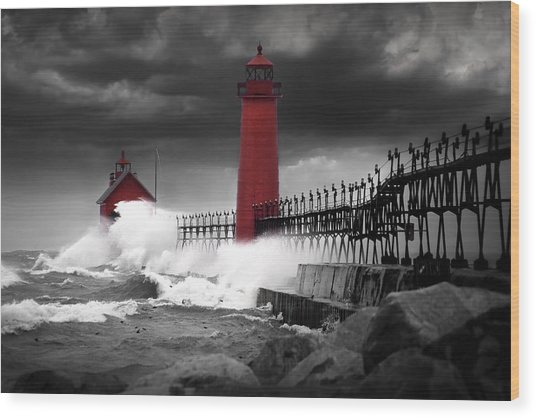 Grand Haven Lighthouse In A Rain Storm Wood Print