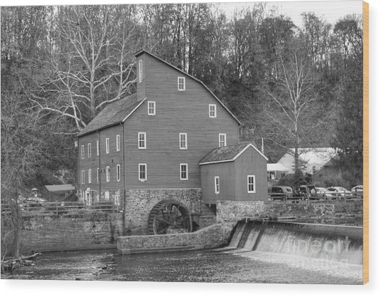 Gray Autumn At The Old Mill In Clinton Wood Print