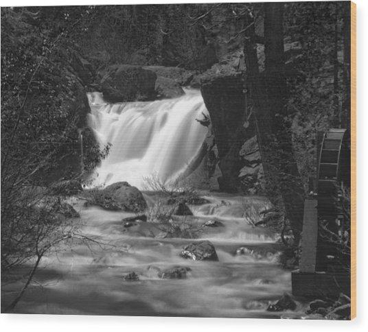 Gray Eagle Falls Wood Print
