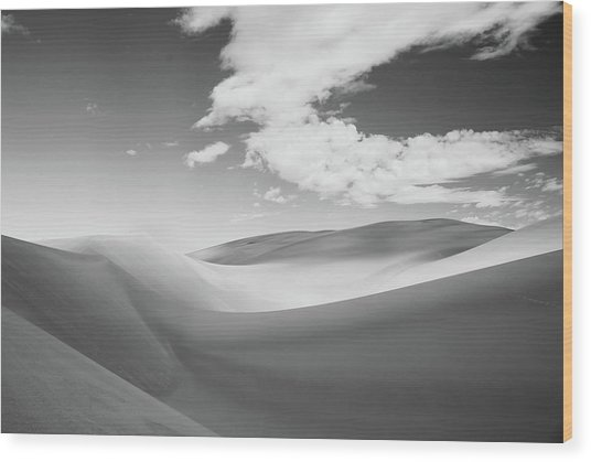 Great Sand Dunes National Park In Black And White Wood Print