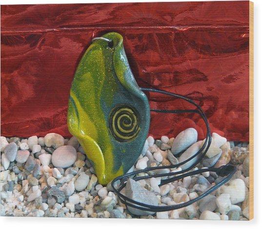 Green And Yellow Spiral Pendant Wood Print by Chara Giakoumaki