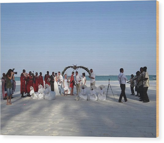 Group Wedding Photo Africa Beach Wood Print