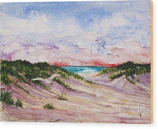 Gulls And Dunes Wood Print by Suzanne Krueger