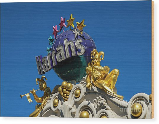 Harrah's Casino Sign On The Las Vegas Strip Wood Print