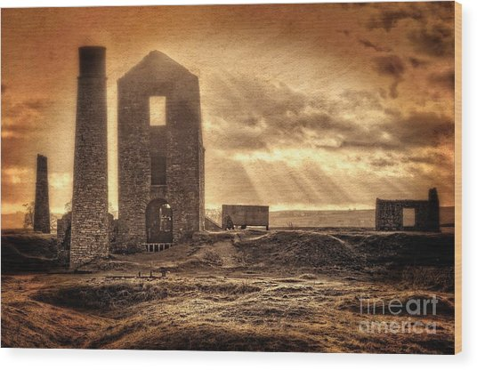 Haunted Britain - Magpie Mine Wood Print