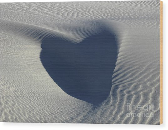 Hearts In The Desert Wood Print