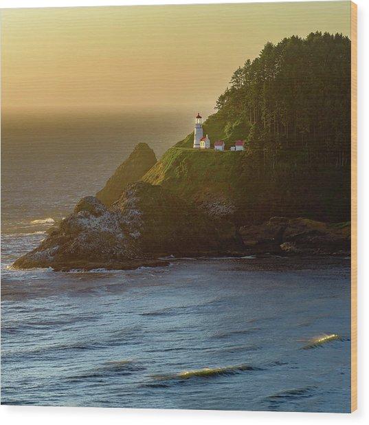 Heceta Head Lighthouse At Sunset Wood Print