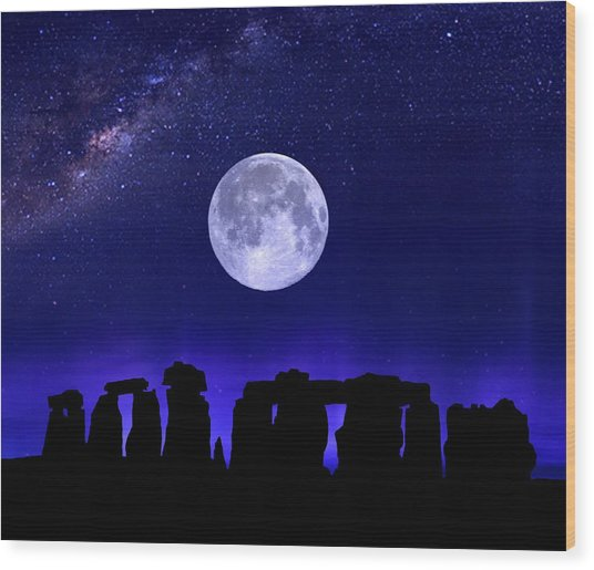 Henge Under The Supermoon Wood Print