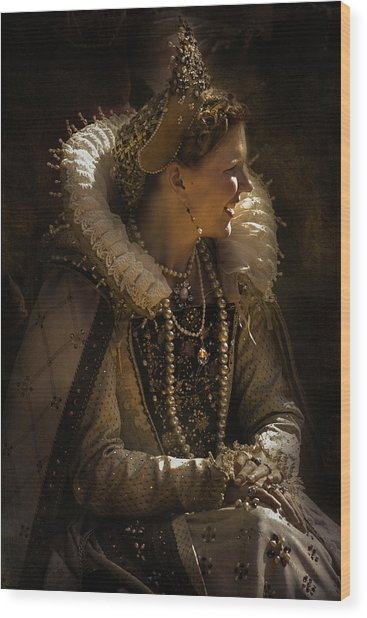 Her Majesty Wood Print
